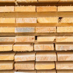 Доска обрезная 40х200х6000 от производителя на складе в Москве